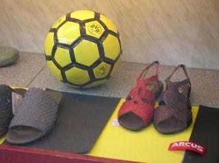 Damenfussball? Auslage in einem Dortmunder Schaufenster
