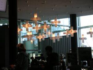 Lampen im Restaurant der Wolfsburger Autowelt