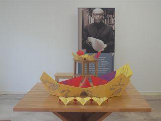 Paul SCHATZ mit Oloid und umstülpbaren Tierkreis-Dodekaeder